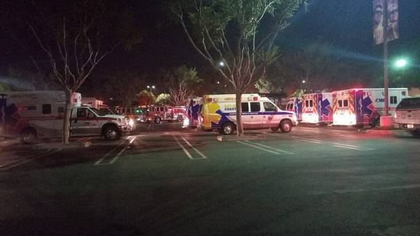 الشرطة: مقتل 12 والمشتبه به في إطلاق نار في حانة بكاليفورنيا