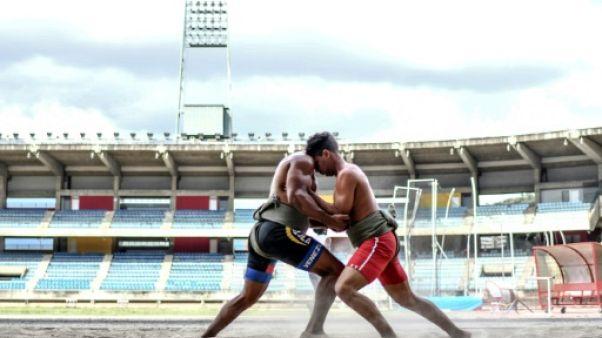 Etre sumotori au Venezuela, un rude combat contre la crise