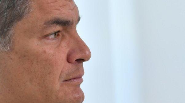 """Rafael Correa, réclamé par la justice équatorienne, dénonce une """"persécution politique"""""""