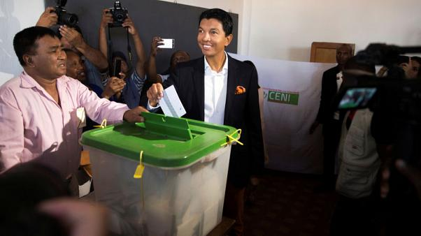 Ex-leader leads preliminary results in Madagascar presidential poll