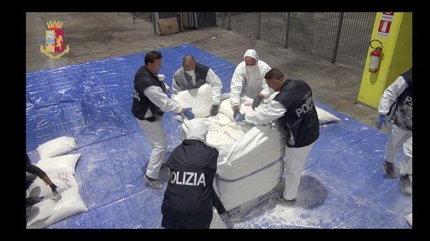 الشرطة الإيطالية تضبط كمية كبيرة من الهيروين على سفينة قادمة من إيران