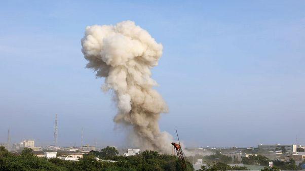 17 قتيلا على الأقل في هجمات انتحارية على فندق بمقديشو