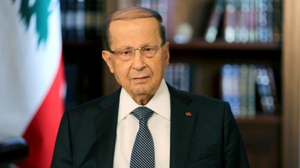 الرئيس اللبناني يقول إنه سيتم إيجاد حل لتعقيدات تشكيل الحكومة