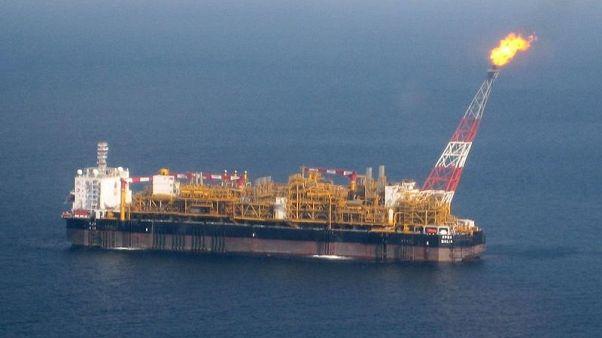 توتال تعتزم حفر آبار بحرية جديدة في أنجولا لزيادة إنتاج النفط