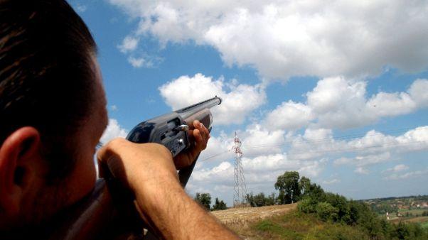 Incidente caccia nel Pisano,uomo ucciso