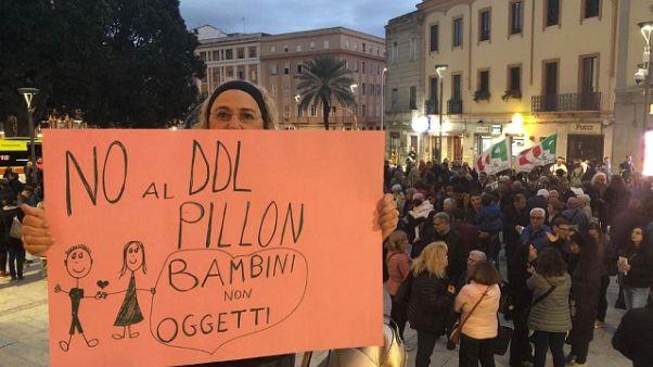 Affido: in migliaia in piazza a Cagliari