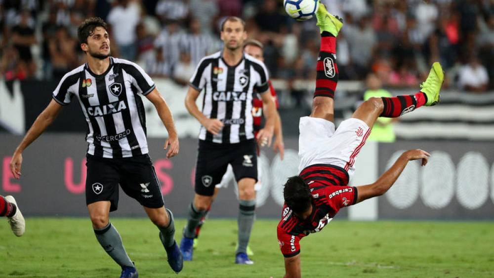 Botafogo beat Flamengo in Rio derby – Business Breaking News 8aa14e467cce8
