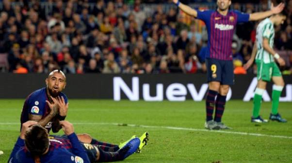 Espagne: le Barça battu chez lui, le Real fortifie Solari