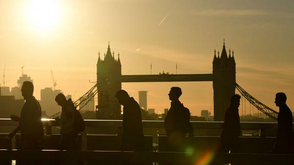 UK employers plan to hold tight on pay despite labour shortages - CIPD