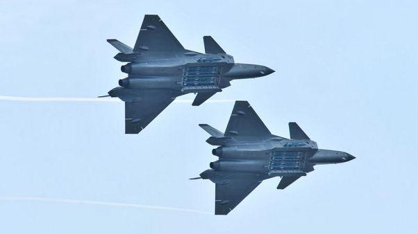 صحيفة: الصين تكشف عن صواريخ المقاتلة جيه-20 لأول مرة في معرض جوي