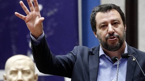 Salvini, il 26 ruspa su villa Casamonica