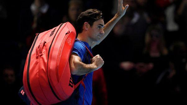 Federer skips practice ahead of crucial Thiem clash