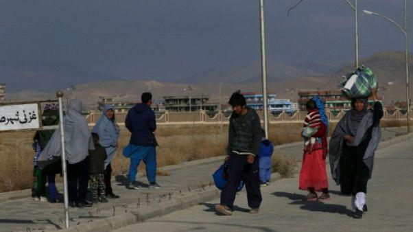 Des milliers d'Afghans fuient les combats dans le Sud-Est