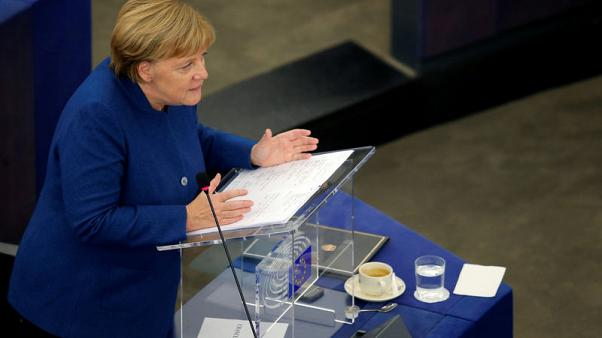 المستشارة الألمانية تدعو إلى بناء جيش للاتحاد الأوروبي