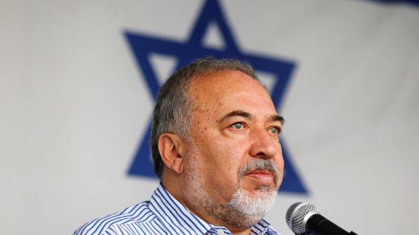 وزير الدفاع الإسرائيلي يعلن استقالته