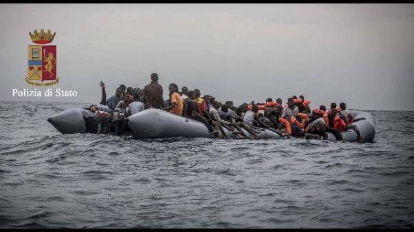 Migranti: naufragio gommone, un morto