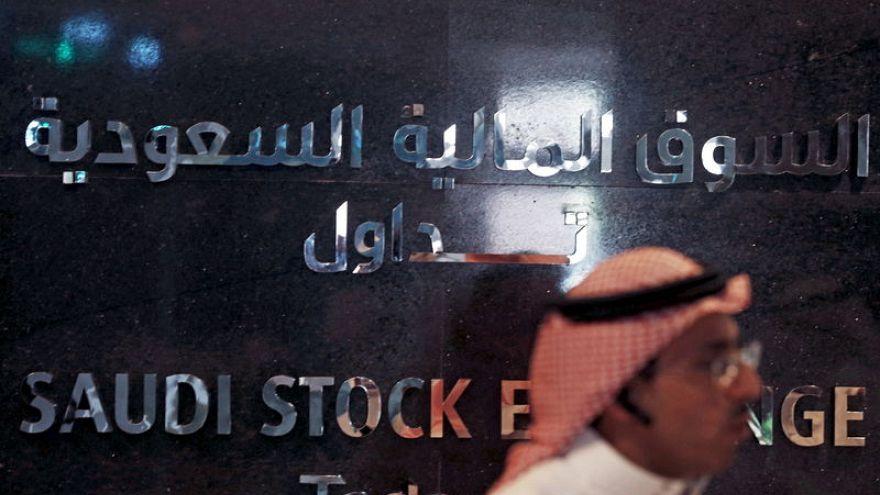 البورصة السعودية تتراجع بفعل خسائر النفط وقطر تهبط بعد مراجعة لإم.إس.سي.آي