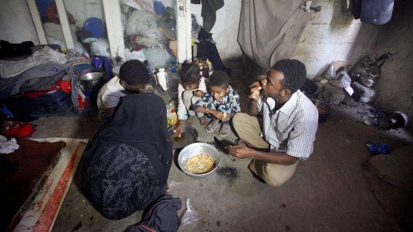 تحقيق-بين الحرب والمجاعة.. أطفال اليمن لا يرون أملا في دعوات وقف القتال
