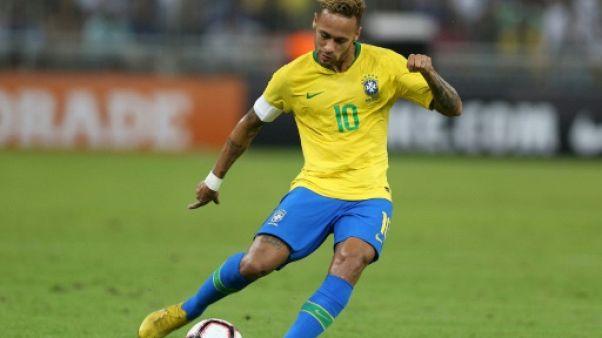 Amical: Brésil-Uruguay, un choc Neymar-Cavani pas si loin de Paris