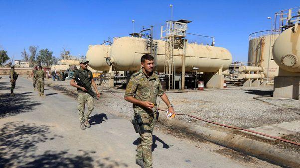 العراق يستأنف بعض صادرات النفط من كركوك بعد عام من توقفها