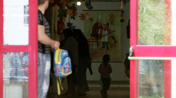 Abusi su alunno, arrestato un bidello