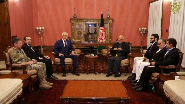 مبعوث أمريكا للسلام يسعى لطمأنة كابول بأنها لن تستبعد من المحادثات