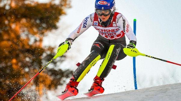 Sci, Shiffrin in testa in slalom Levi
