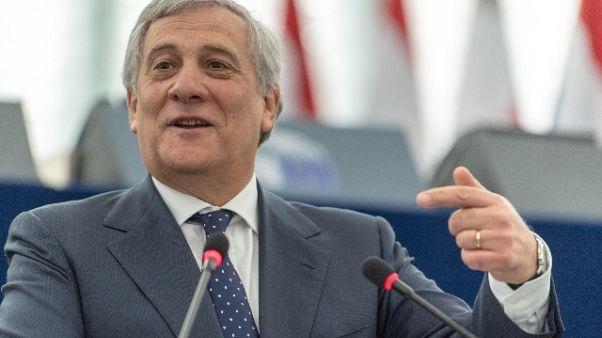 Tajani, governo contronatura,durerà poco