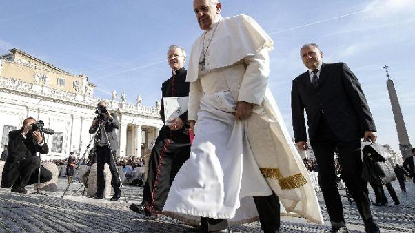 Papa, grati a Benedetto XVI