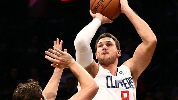 كليبرز يعوض تأخره بفارق 15 نقطة ويهزم نيتس بدوري السلة الأمريكي