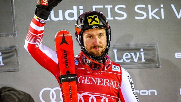 Sci, Hirscher vince slalom Levi