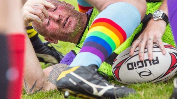 Rugby: omofobia, aggredito Gareth Thomas
