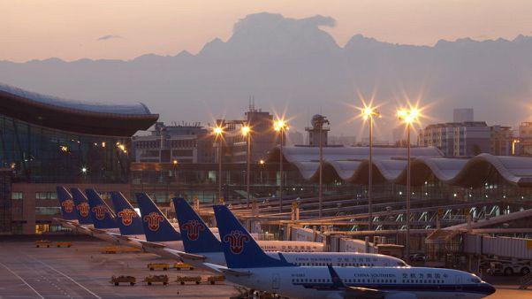 الصين تقر مشروعا بمليارات الدولارات لتوسيع مطار في إقليم شينجيانغ