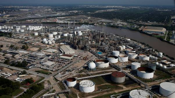 Refiners get taste of post-IMO world with gasoline/diesel imbalance