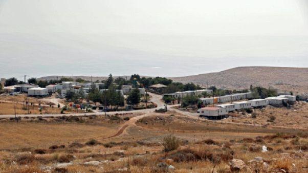 Airbnb se retire des colonies de Cisjordanie, menaces de sanctions israéliennes