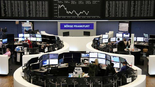 Tech tremors drive European stocks down to three-week low