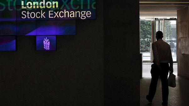 FTSE hits three-week low as investors dump banks, mining stocks
