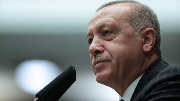 أردوغان: أسعار الفائدة تواصل الانخفاض