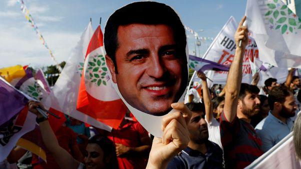 محامي سياسي تركي مسجون يطلب إخلاء سبيل موكله بعد قرار محكمة أوروبية