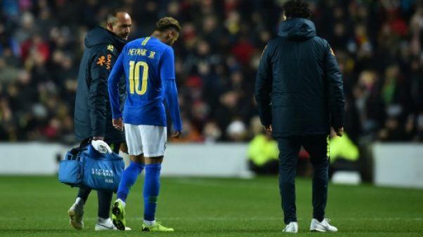 Amical: le Brésil enchaîne, Neymar inquiète Paris
