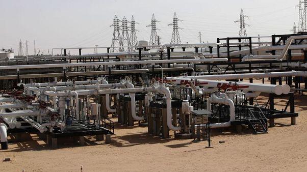مؤسسة النفط: مسلحون هاجموا محطة بحقل الشرارة الليبي والإنتاج لم يتأثر