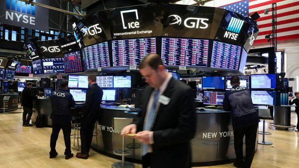 وول ستريت تفتح مرتفعة مع تعافي أسعار النفط وأسهم التكنولوجيا