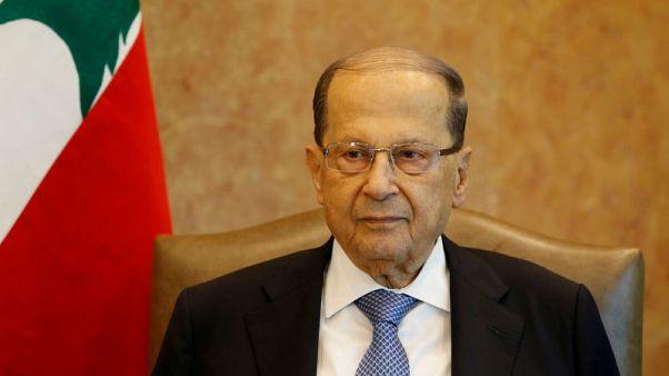 الرئيس اللبناني يقول إن بلاده لا يمكنها إضاعة الوقت في تشكيل الحكومة