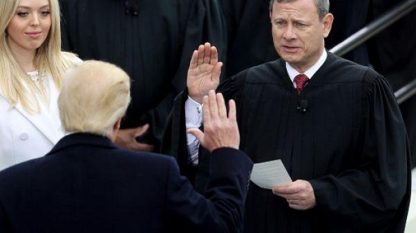 Incroyable passe d'armes entre Trump et le chef de la Cour suprême