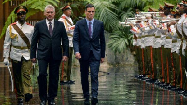 L'Espagnol Pedro Sanchez à Cuba, en pleine ouverture économique