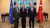 الاتحاد الأوروبي يلوم تركيا على احتجاز صحفيين وأكاديميين ونشطاء