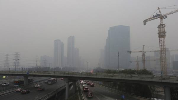 Chinese capital issues first smog alert of winter