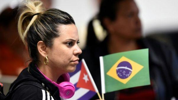 Les médecins cubains partis du Brésil reçus avec les honneurs à La Havane