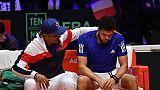 """Coupe Davis: Tsonga, blessé aux adducteurs, """"a pensé à abandonner"""" déclare Noah"""