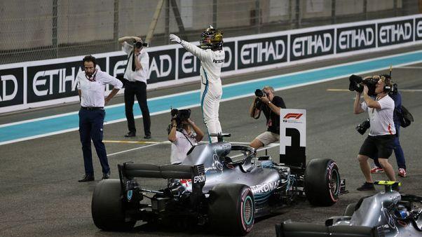 Hamilton on pole for final race of F1 season